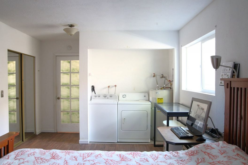 10315 Stone Ave N - Laundry Room