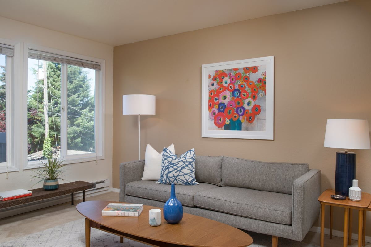 20180723_1712NW85th201_Final_Living_2