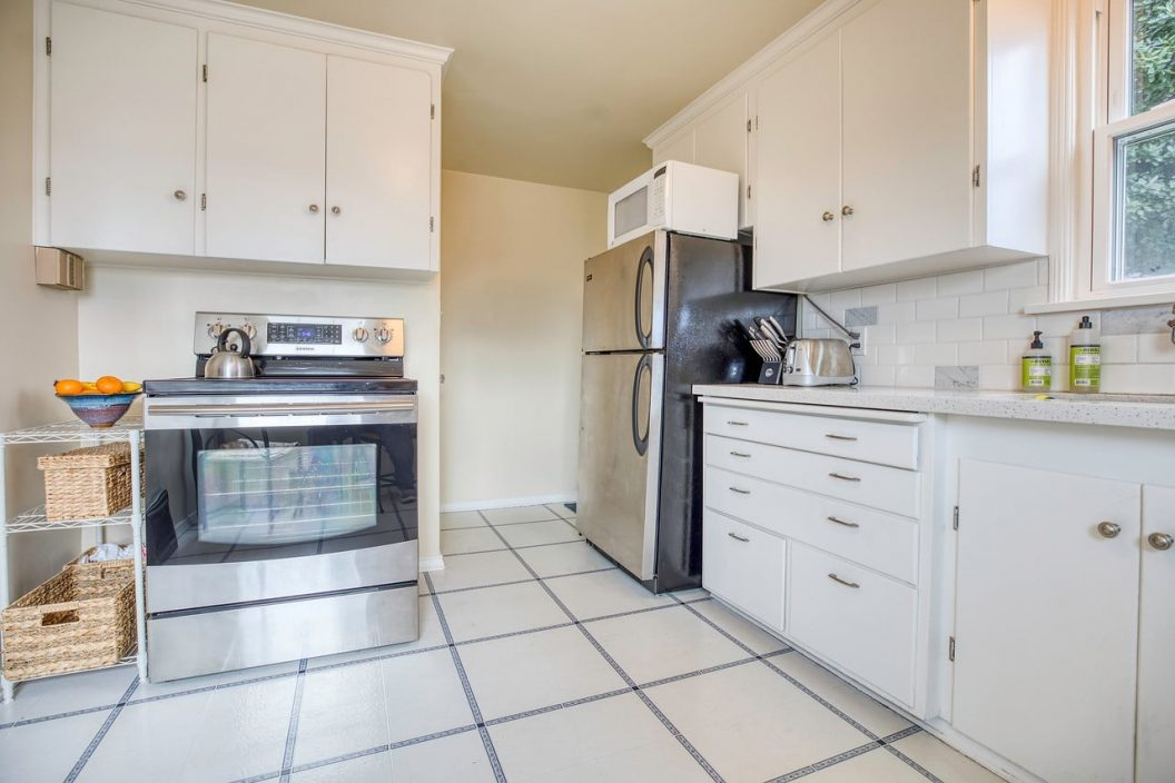 223 NW 50th Kitchen
