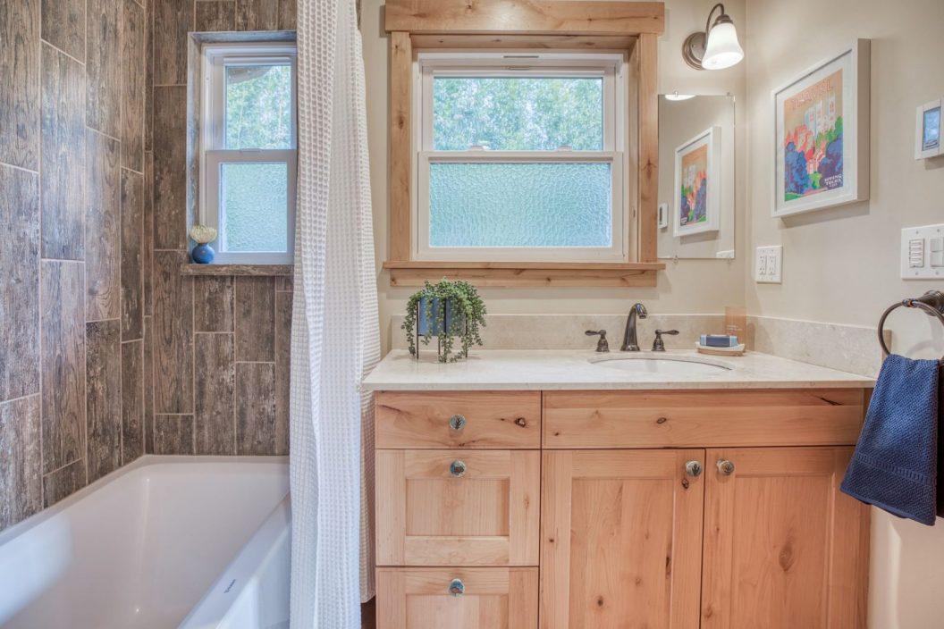 11746 22nd Ave NE - Bathroom