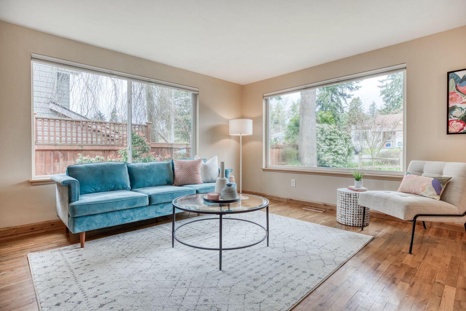 11746 22nd Ave NE - Living Room