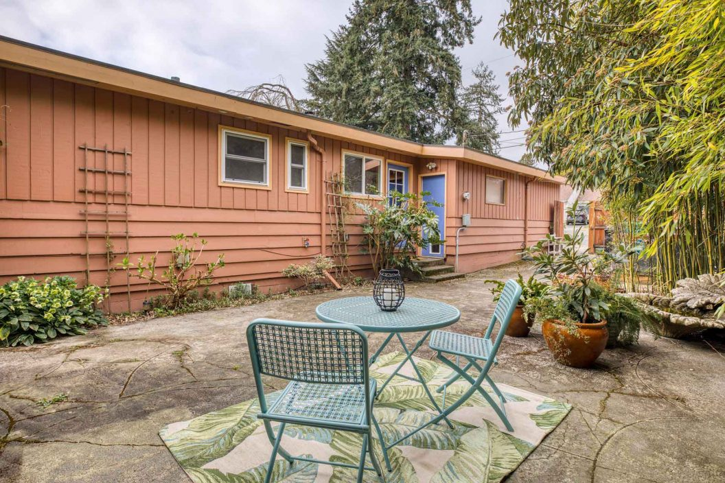 11746 22nd Ave NE - Patio
