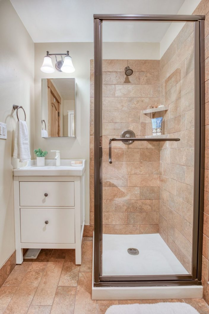 11746 22nd Ave NE - Shower
